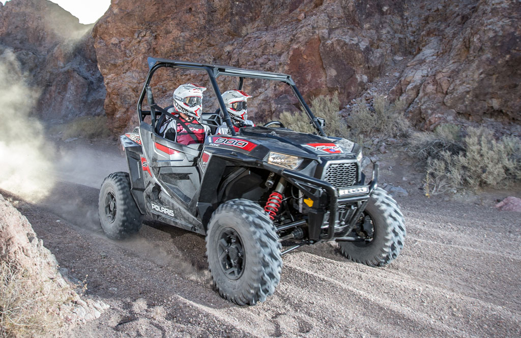 2015-Polaris-RZR-900-S-Action